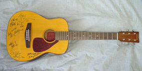 YAMAHA Mini Acoustic Guitar FG-Junior JR-1